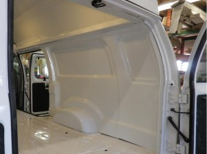 finition-interieur-extension-toit-ford-e-350